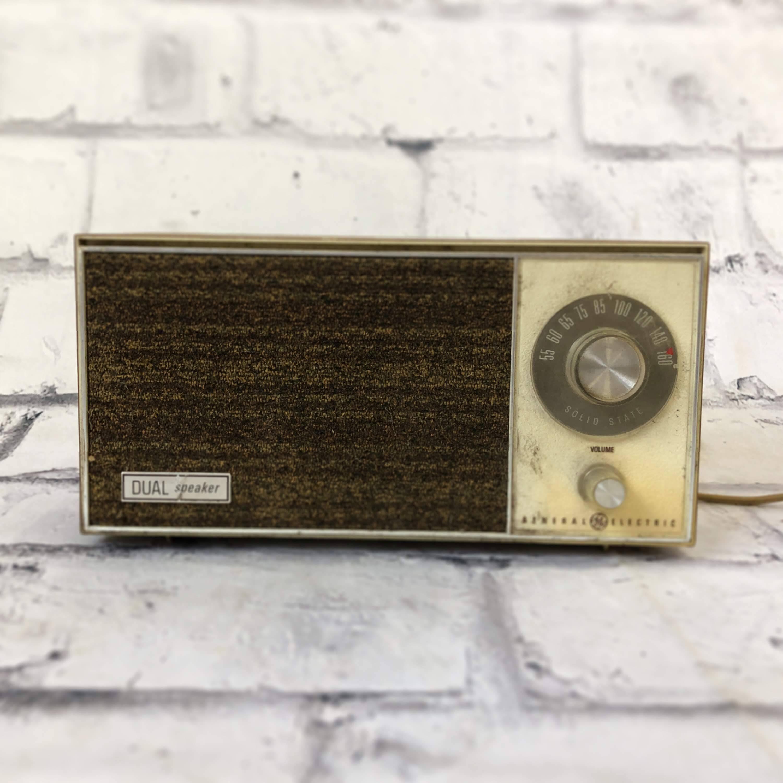品番0556 ヴィンテージラジオ GENERAL ELECTRIC(ゼネラル エレクトリック) Solid State Radio インテリア ディスプレイ