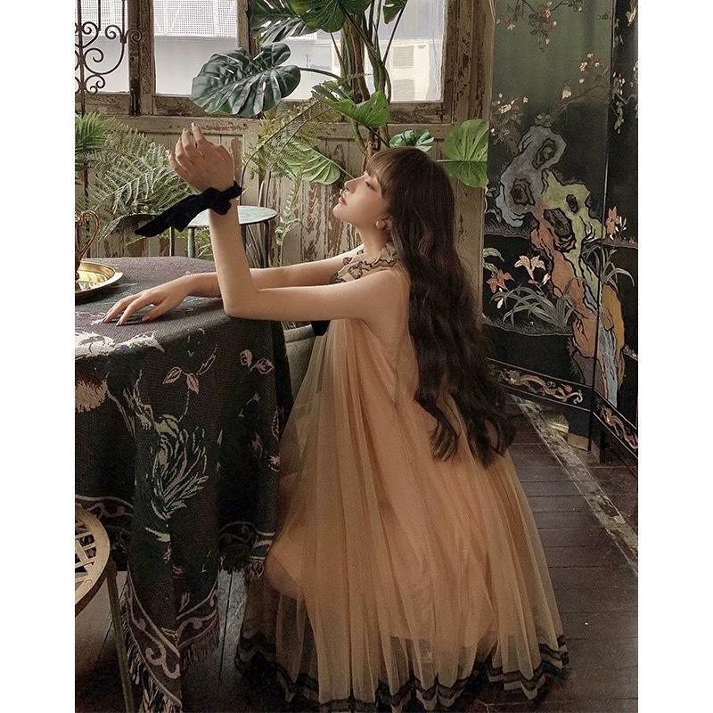 sleeveless brown dress