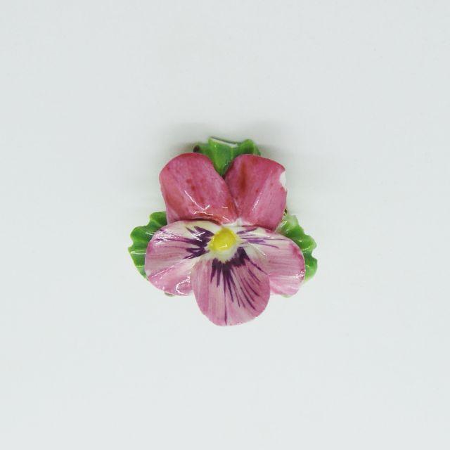 ビオラの花のブローチ(ピンク)
