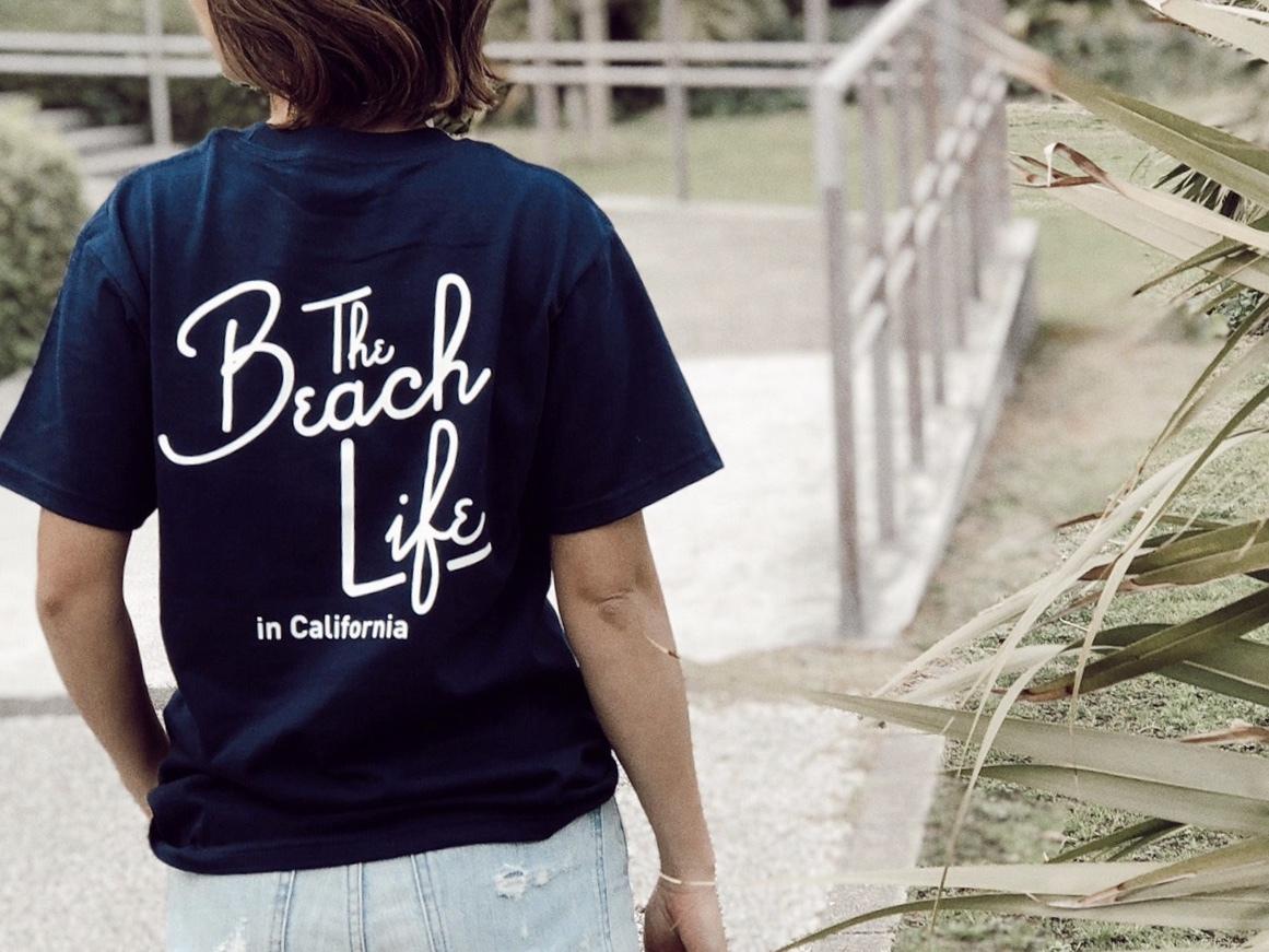 Beach Life in CAL Tシャツ(navy)