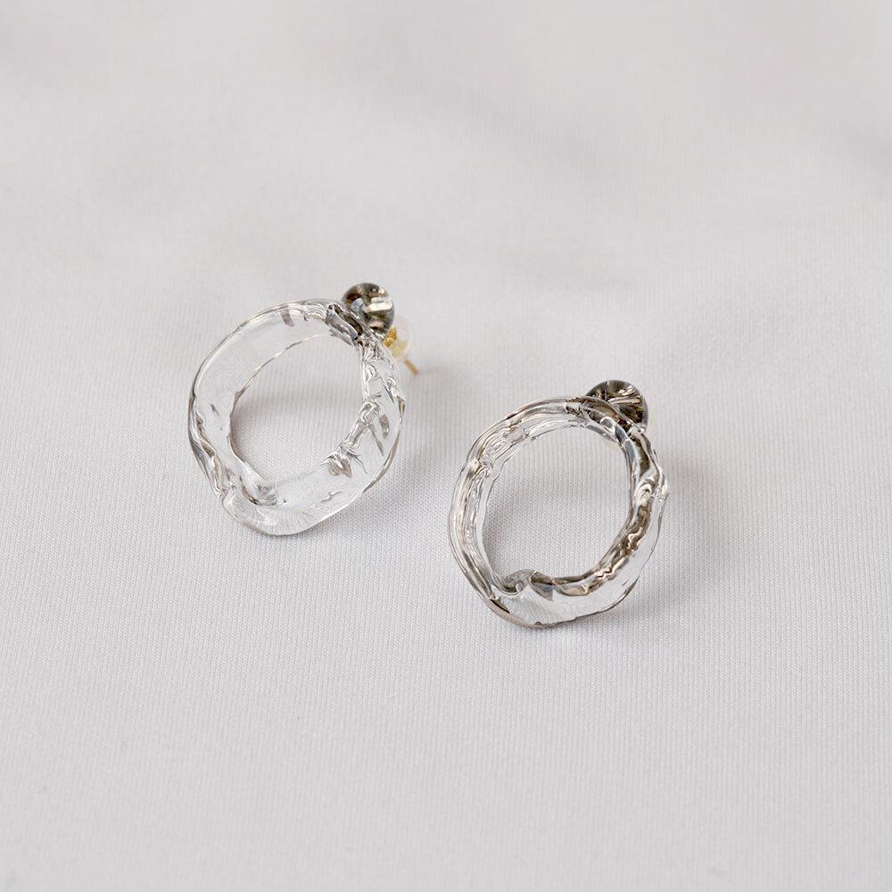 mobius pierce platinum (pair)