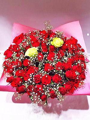 ar012 フラワーアレンジ 赤バラ+α