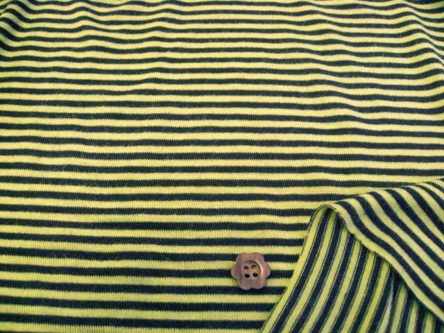 発熱保温効果機能繊維使用ウール混ストレッチ天竺ボーダー 黄緑+ブラウン NTD-2543