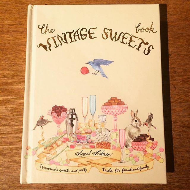 料理の本「The Vintage Sweets Book/Angel Adoree 」 - 画像1