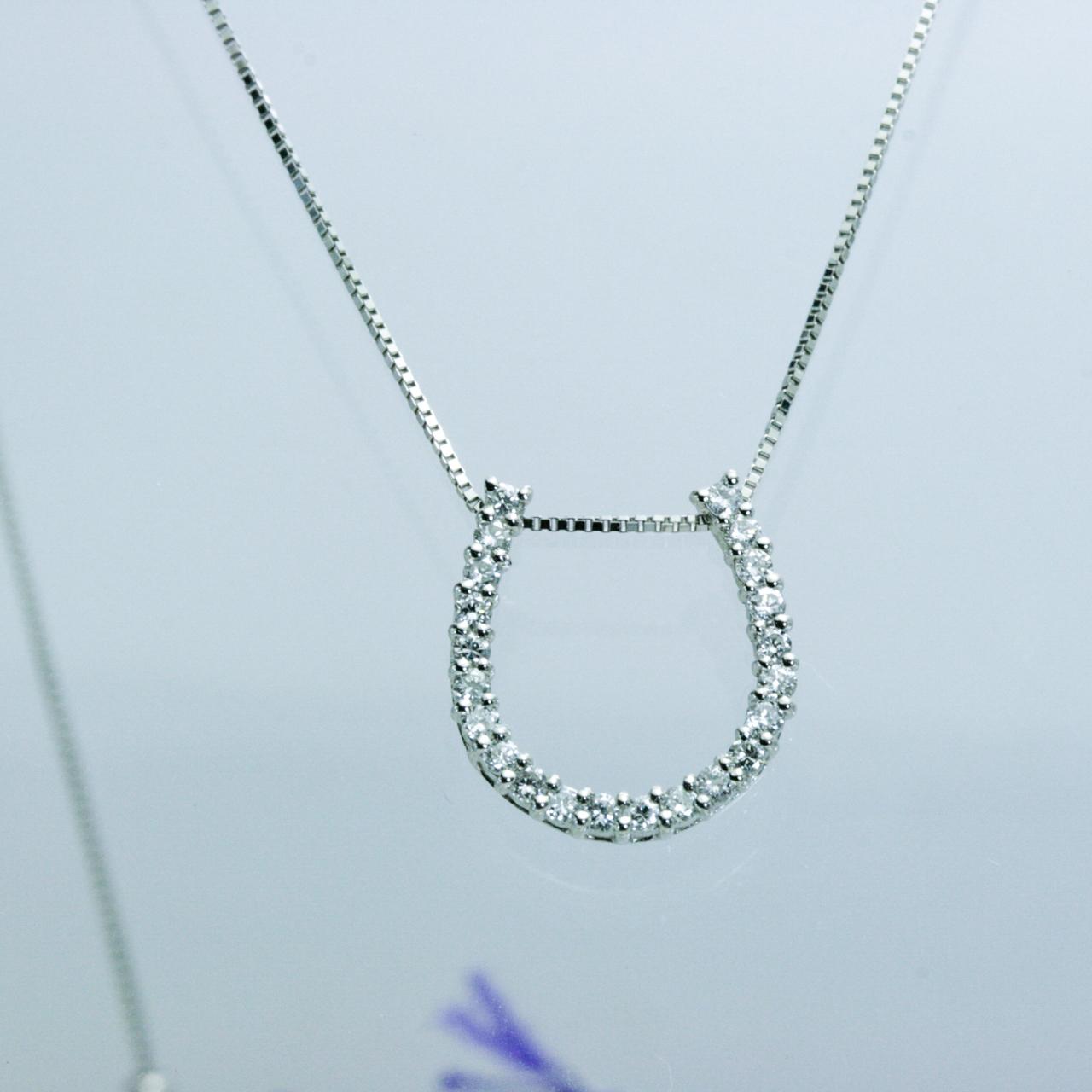 バテイ=ホースシュー ダイヤモンドペンダント 0.3CT プラチナ