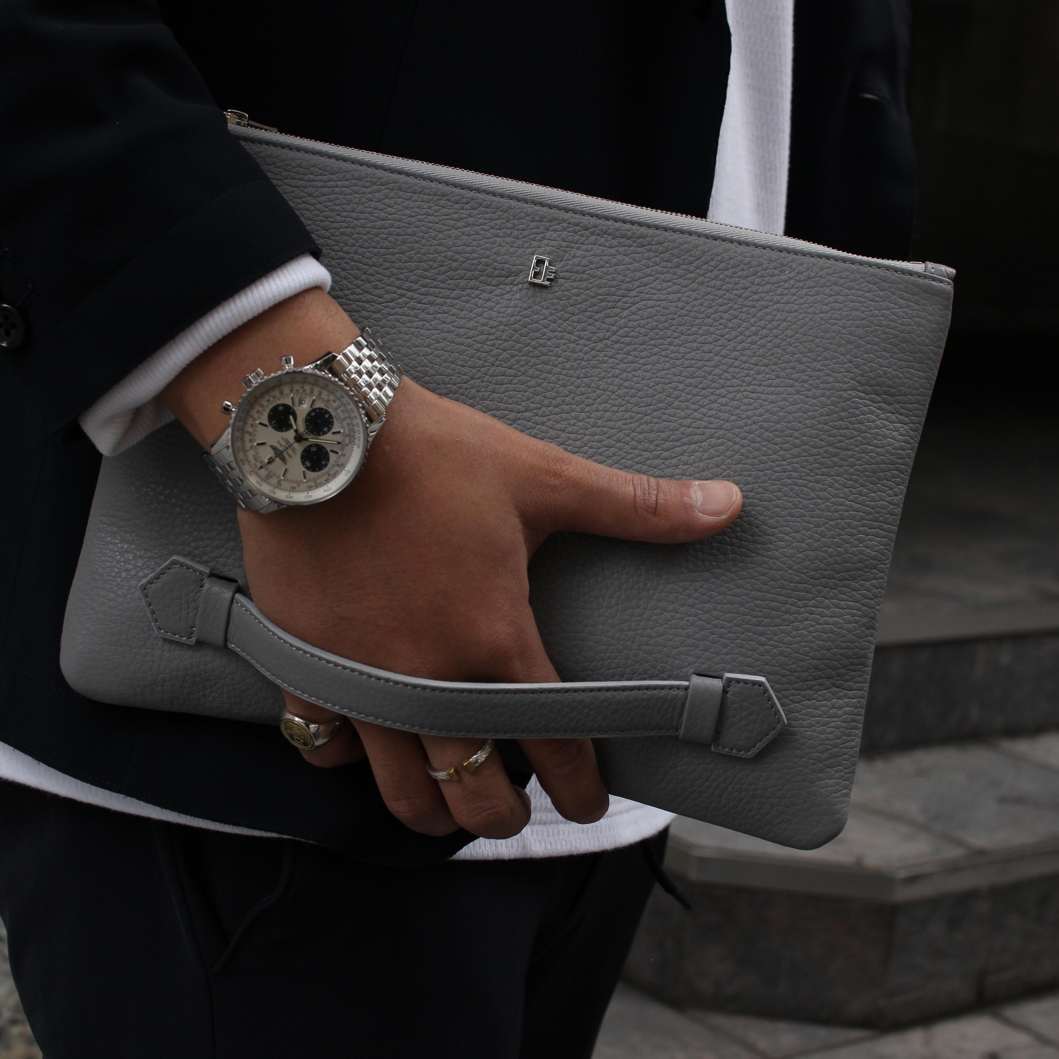 Italian leather clutchbag/Elephant