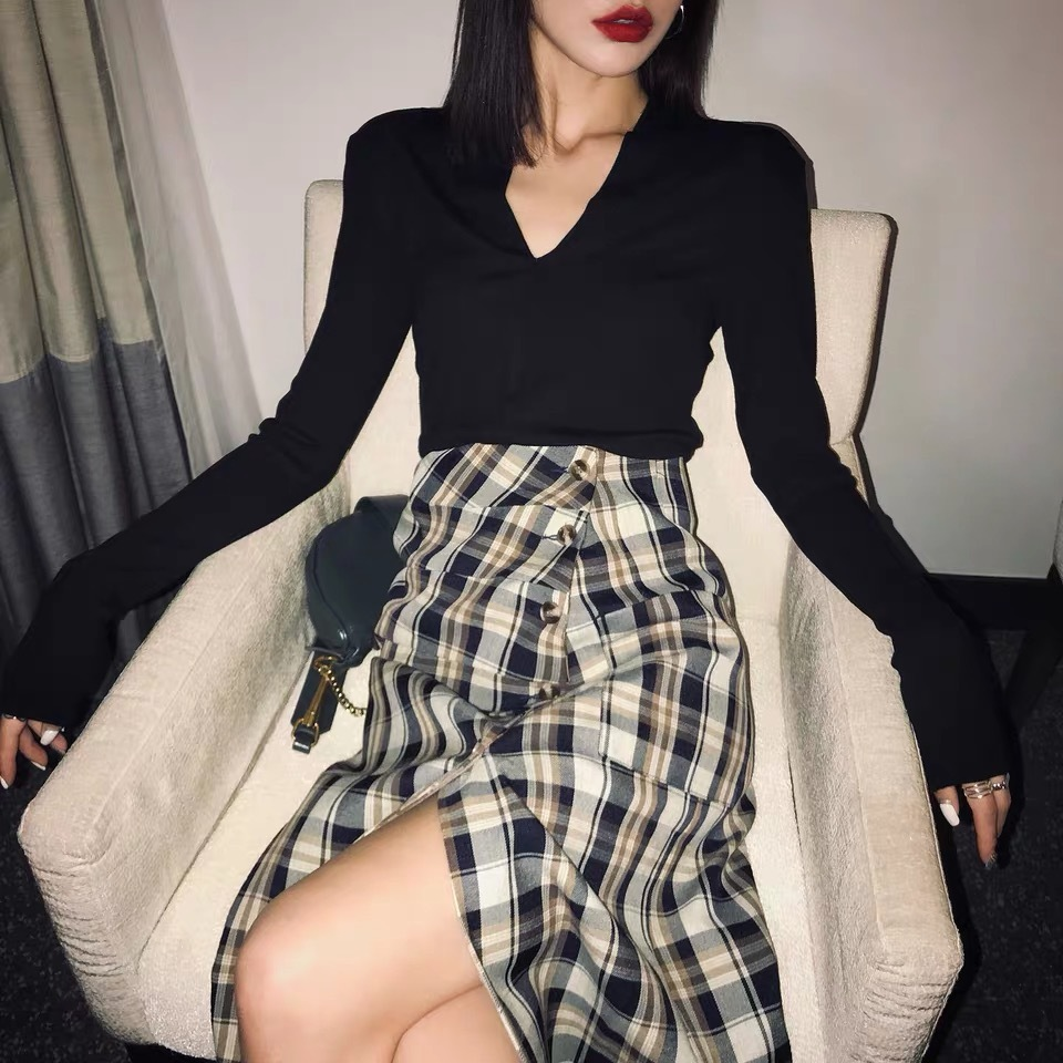 middle cut check skirt
