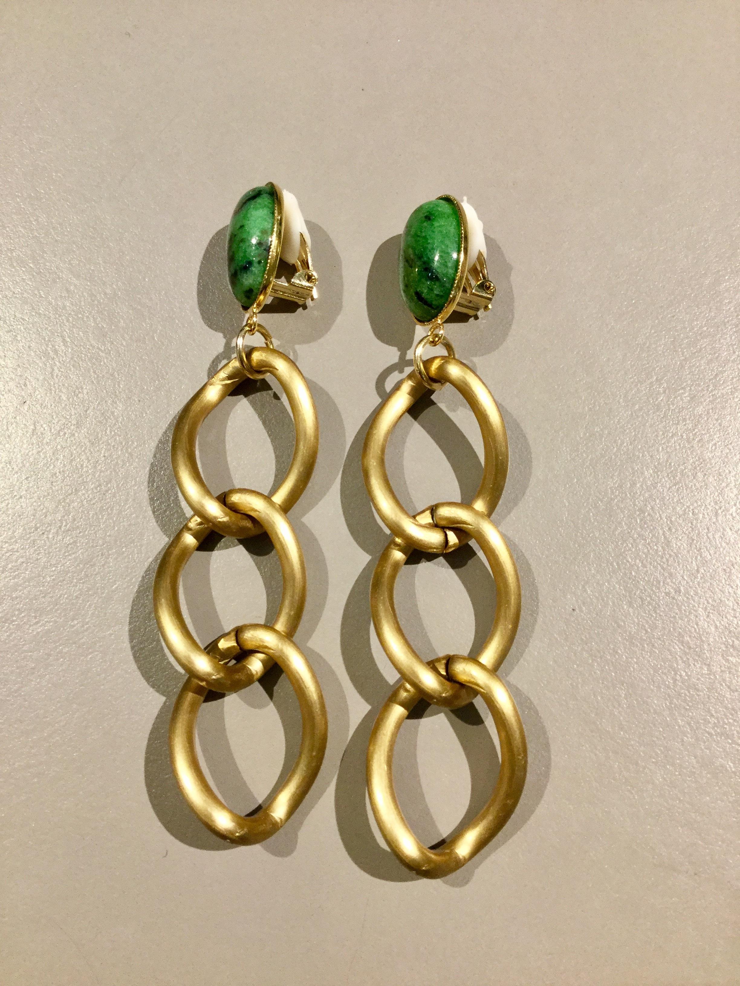 meow   chain earring (green)