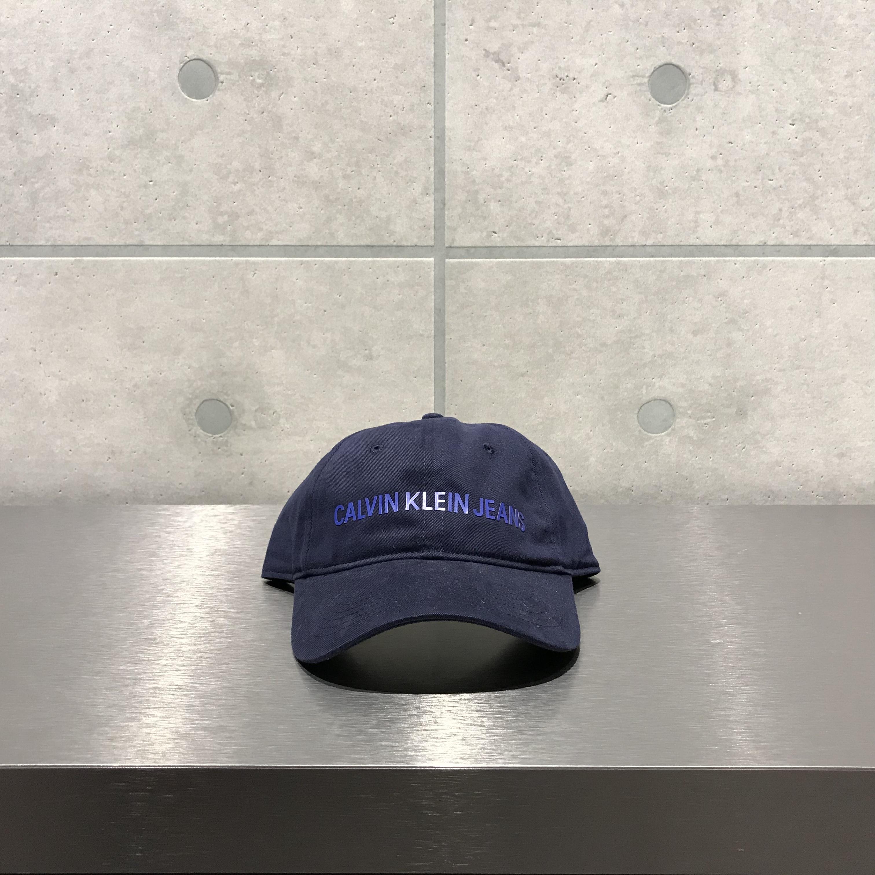 Calvin Klein LOGO 6-PANEL CAP / NAVY x BLUE