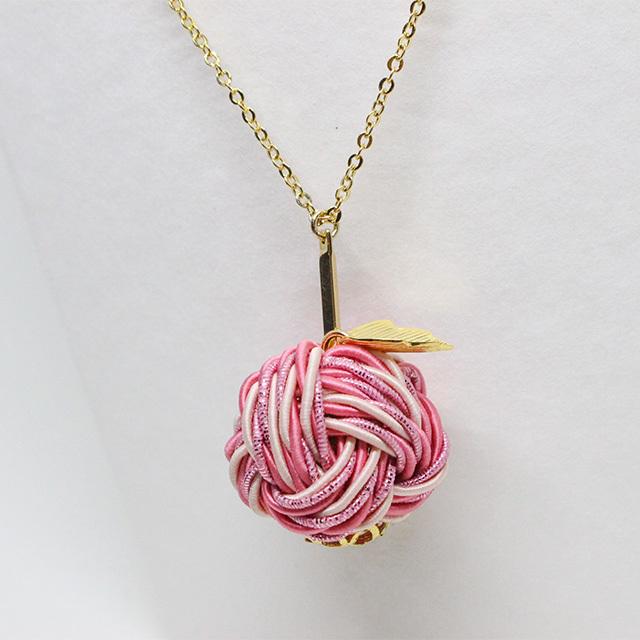 【予約商品】愛され甘味の薄紅りんご ネックレス
