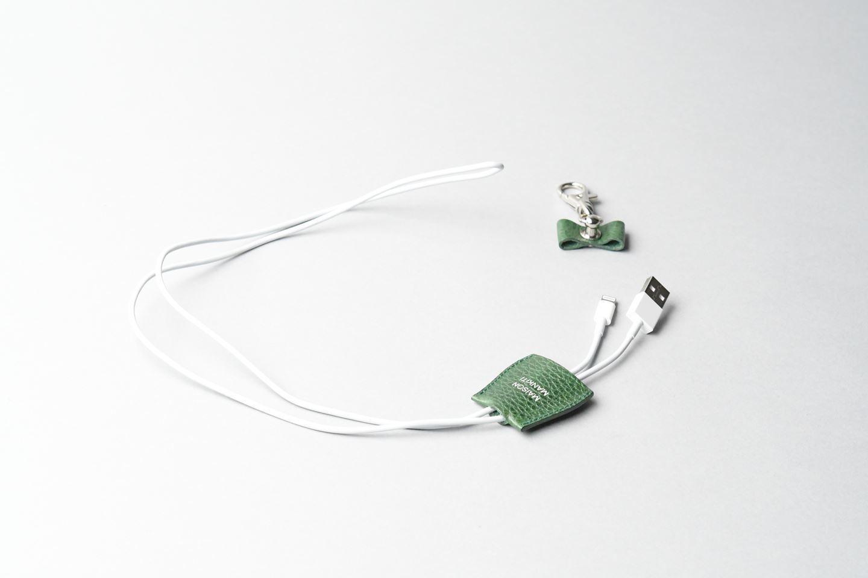 i phone ケーブルホルダー □ホワイト□ cable holder  - 画像3