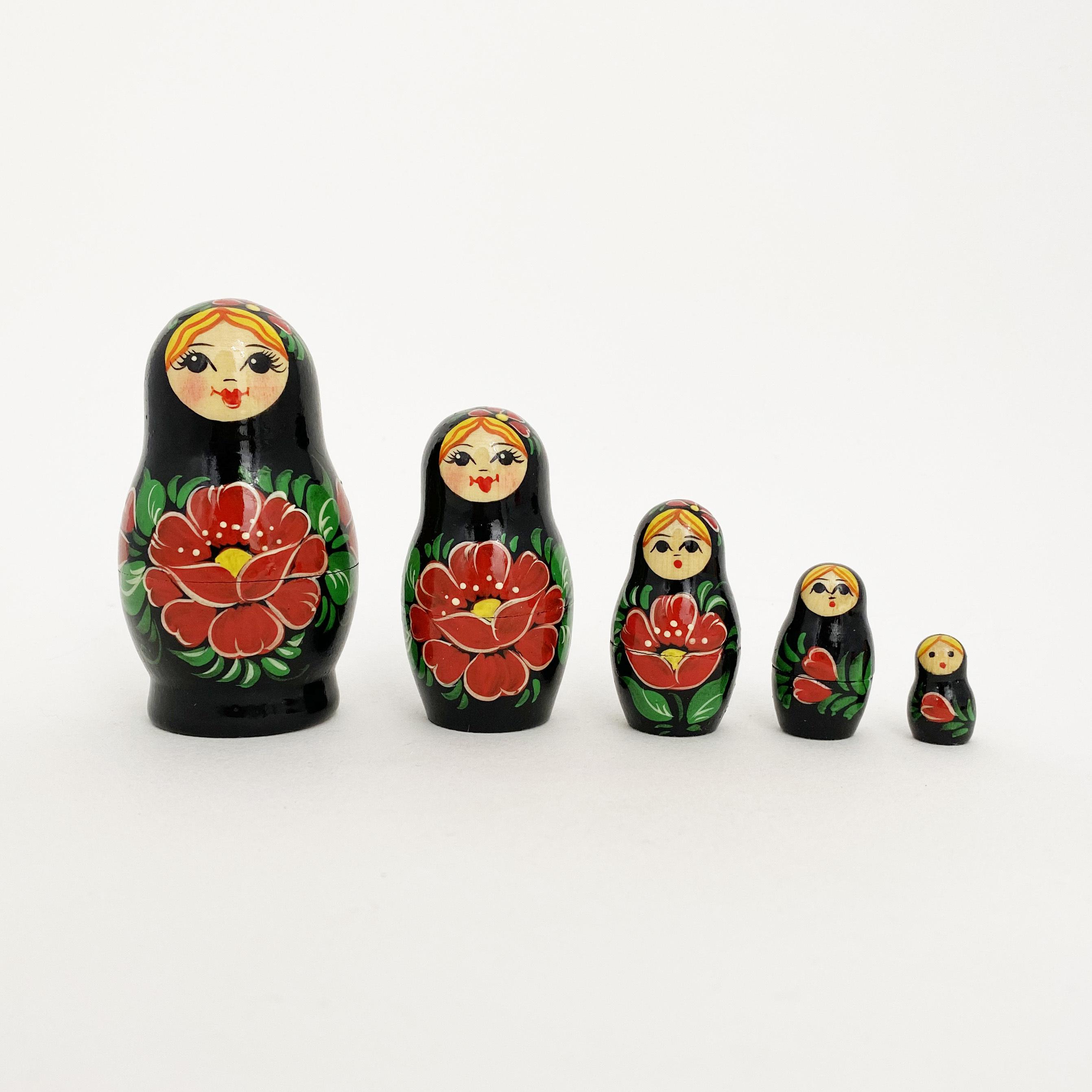 ノーリンスク産マトリョーシカ/赤い花5個組
