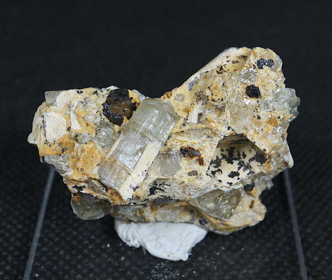 ユタ州産 フッ素燐灰石 + 磁鉄鉱 アパタイト マグネタイト  AP034 27,7g 原石 天然石 パワーストーン