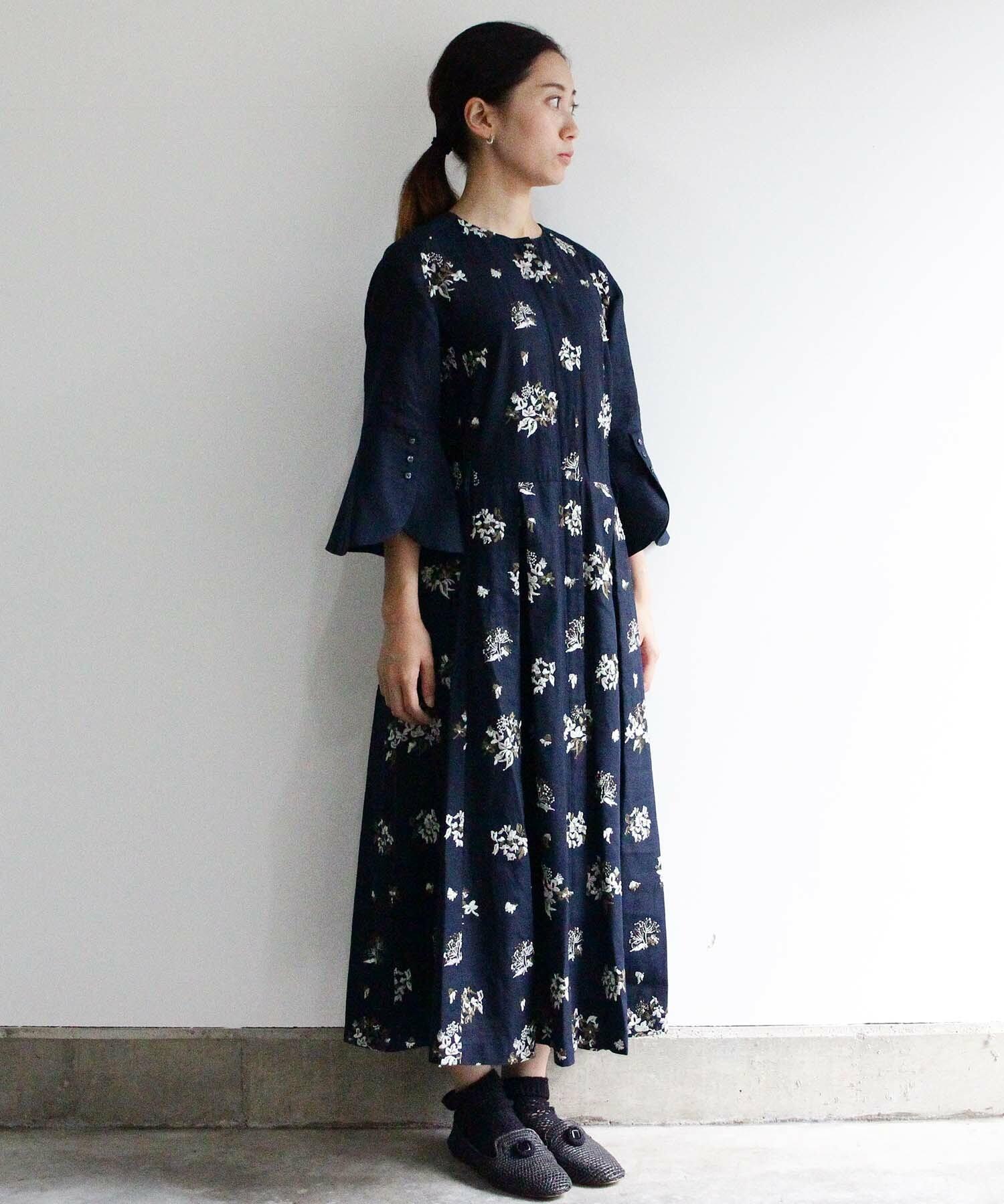 野小花刺繍のドレスコート ネイビーグリーン