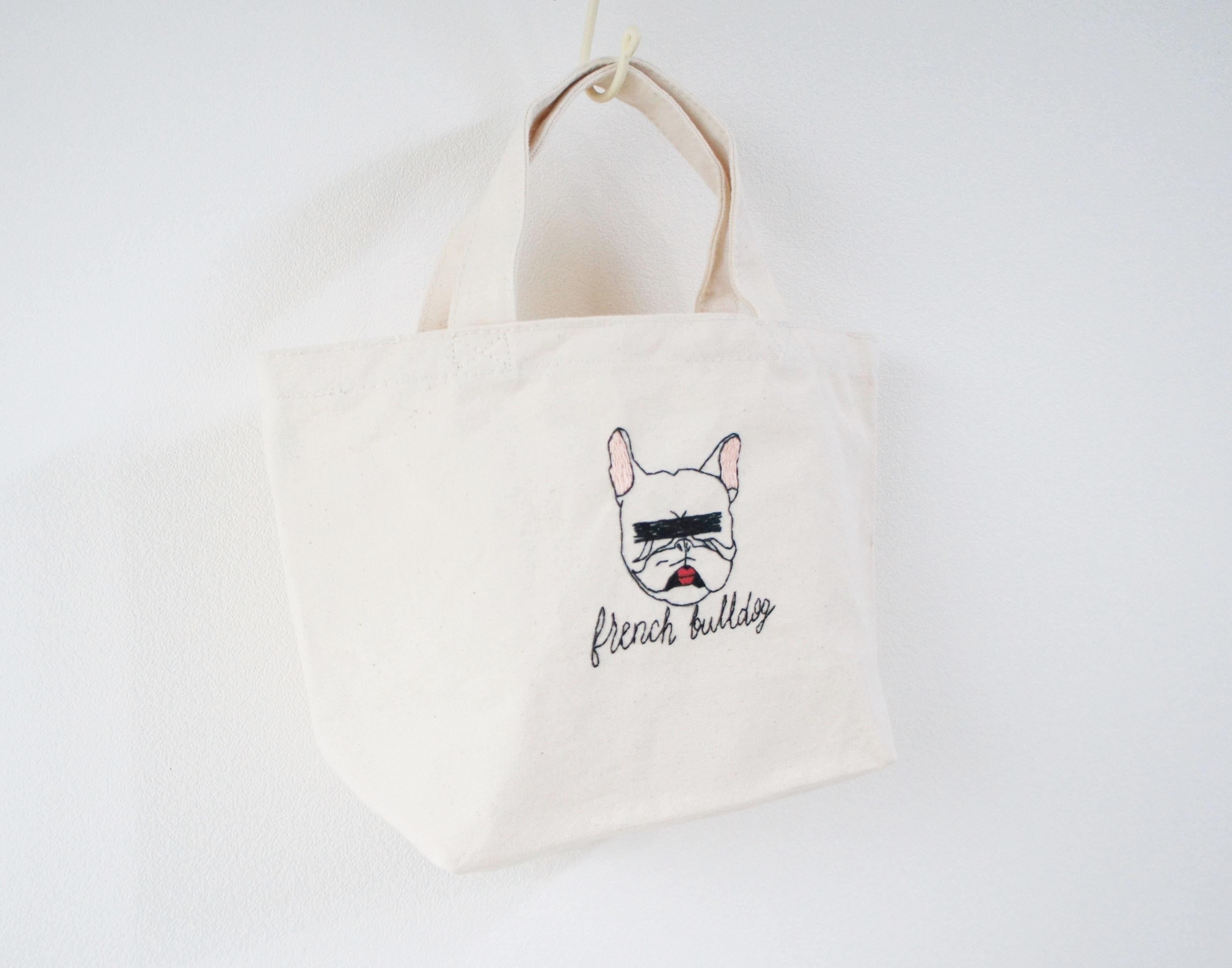 フレンチブルの刺繍帆布バッグ