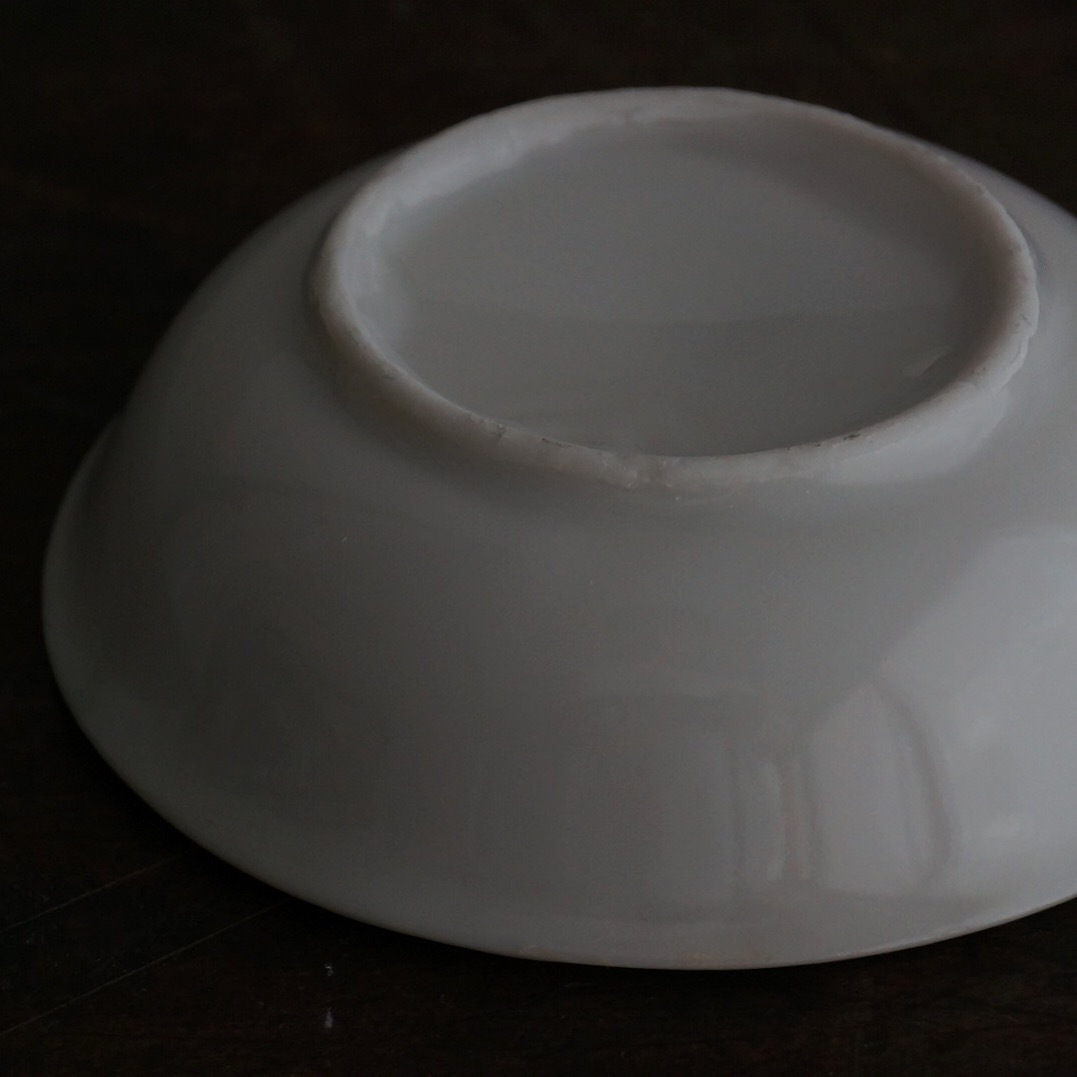 古い国産の白磁小皿
