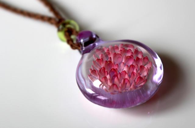 Pink dot flower