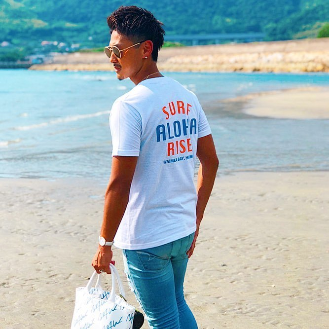ALOHA RISE Tee - White / Orange-Blue