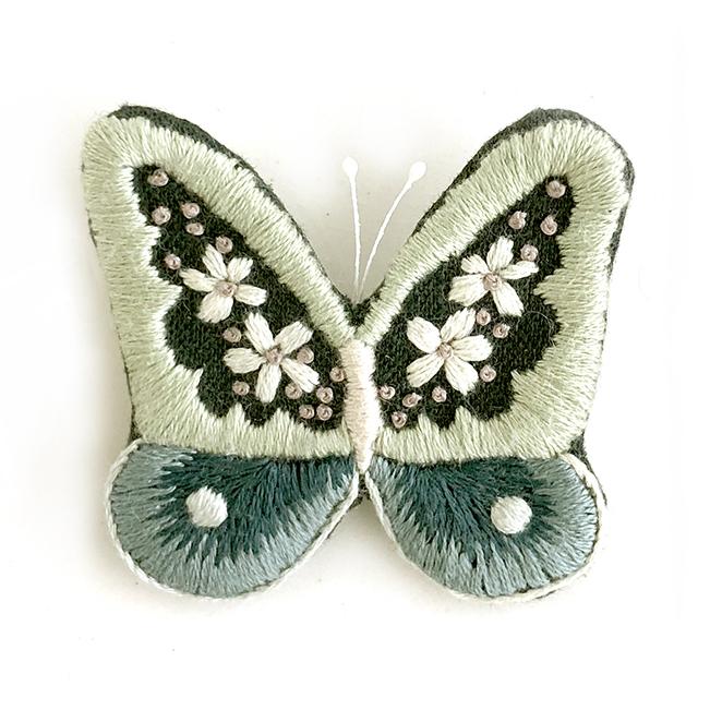 蝶のブローチ・グリーン   rairai(蓬莱和歌子)