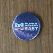 データイースト データイースト 缶バッジ / ANIPPON