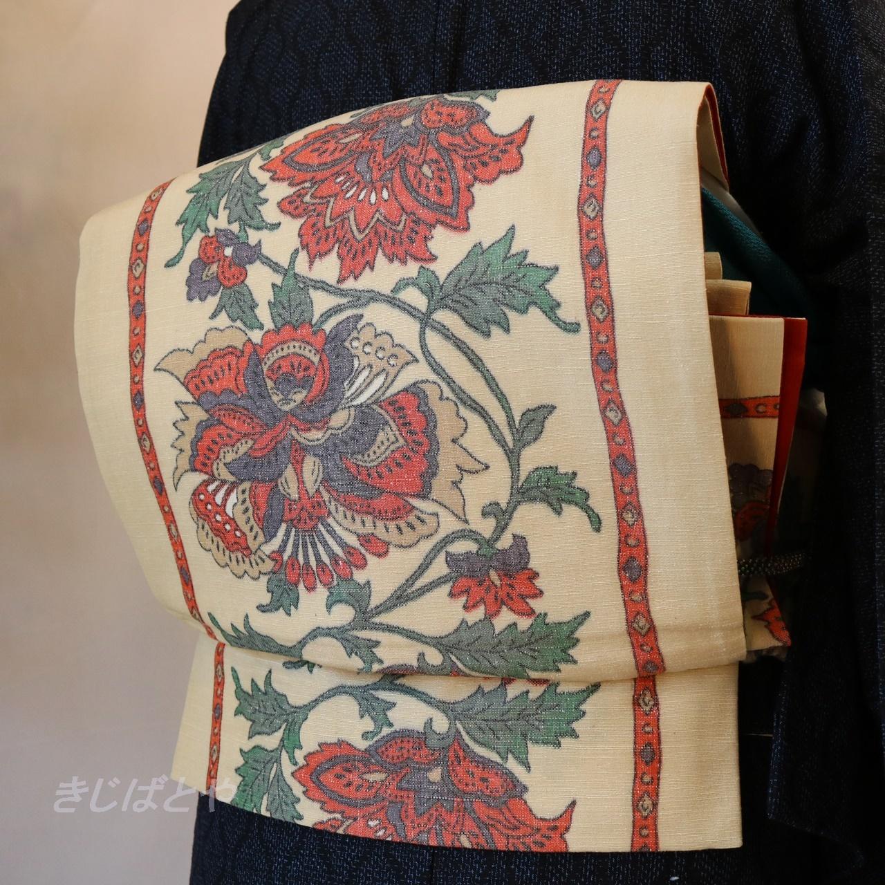 正絹紬 白地に赤花の袋帯
