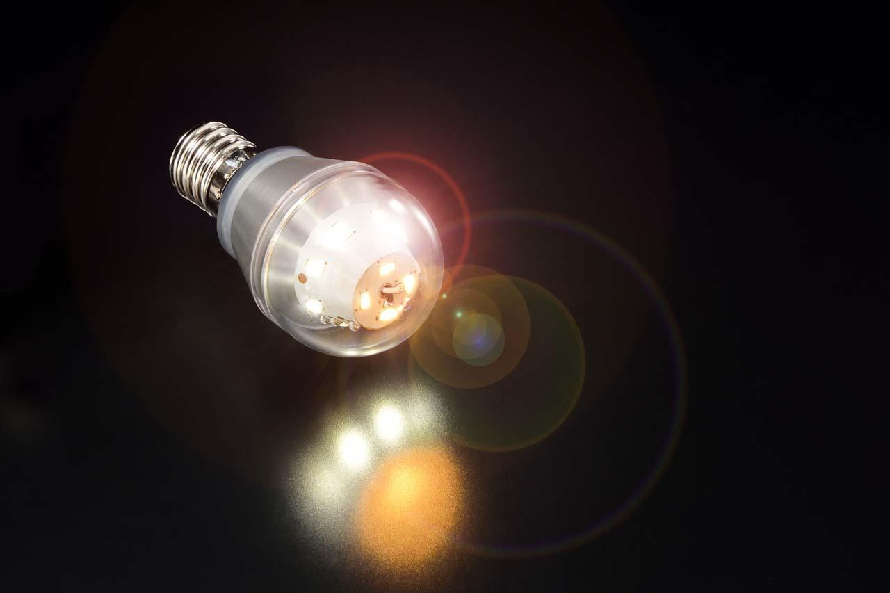 医療現場で安心して使用できるLED電球 ミニクリプトン 高演色電球色