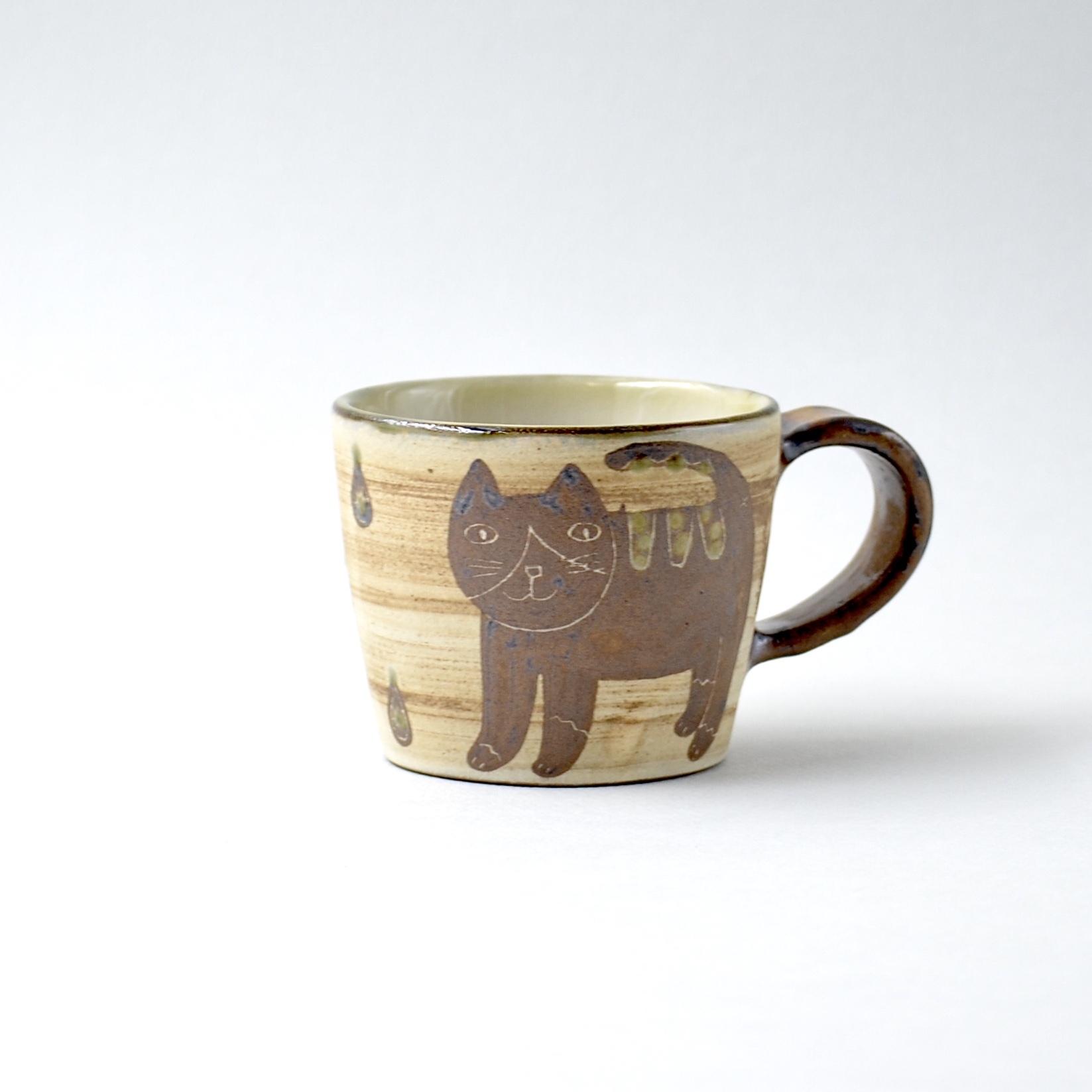 ハチワレネコのマグカップ m2