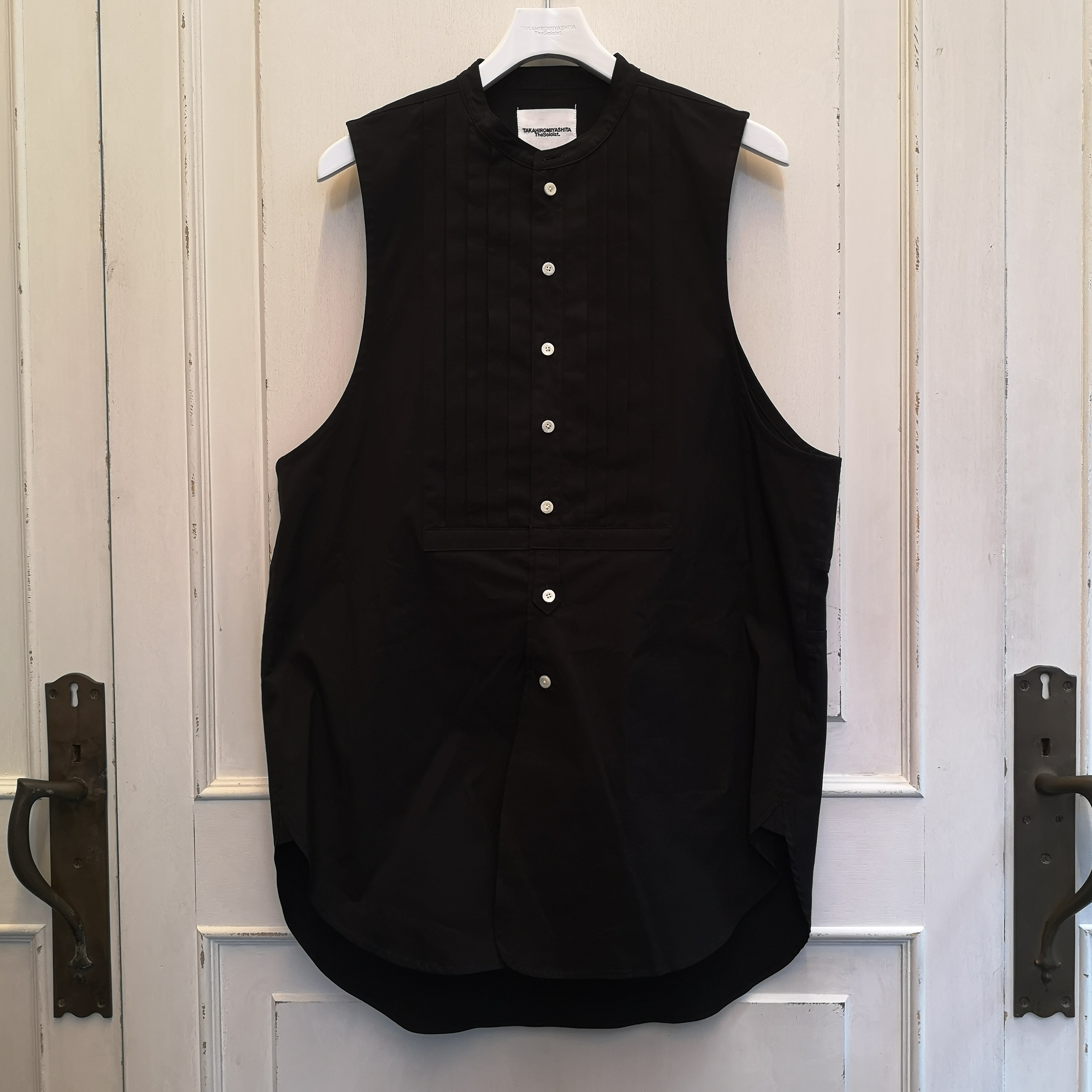 ss.0003aSS20 band collar sleeveless shirt. type1 (プリーツ リップ)