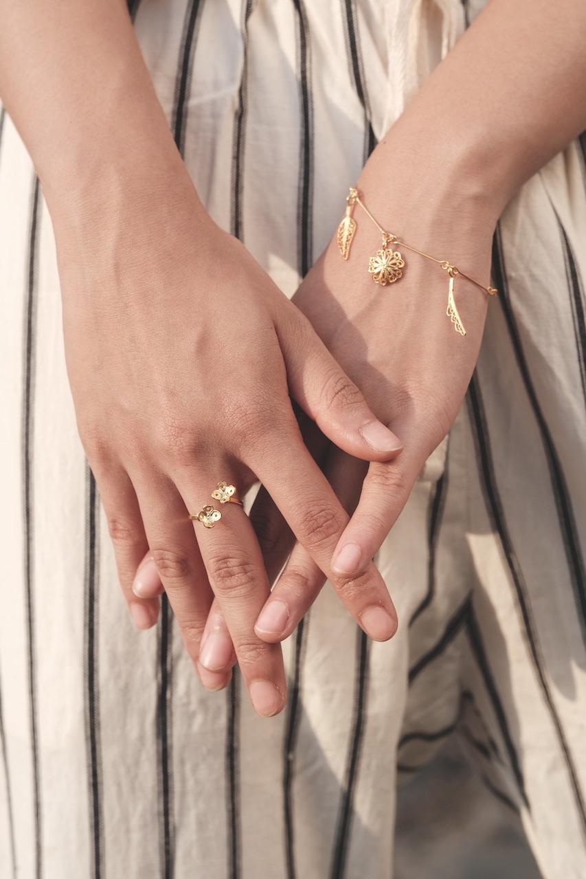 Hakobera(繁縷) - Bracelet / Gold