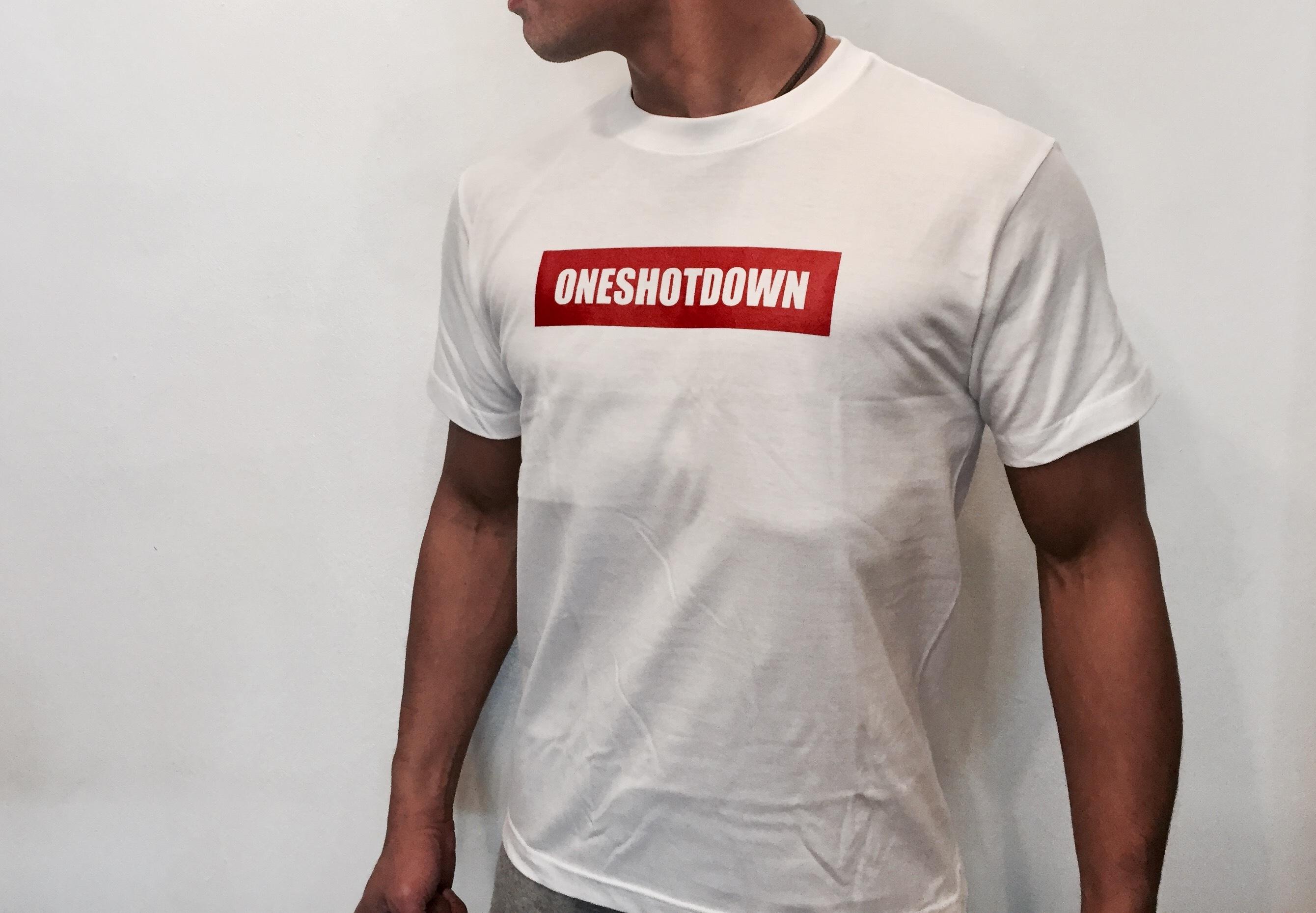 ONESHOTDOWN ボックスロゴ Tシャツ - 画像2