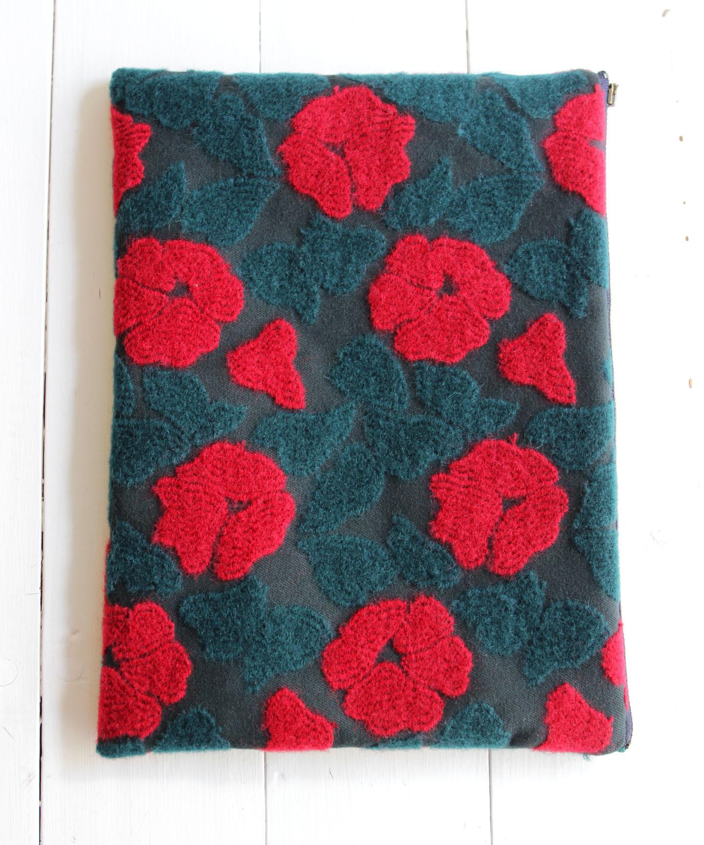 庭椿刺繍生地のポーチ POUCH004L