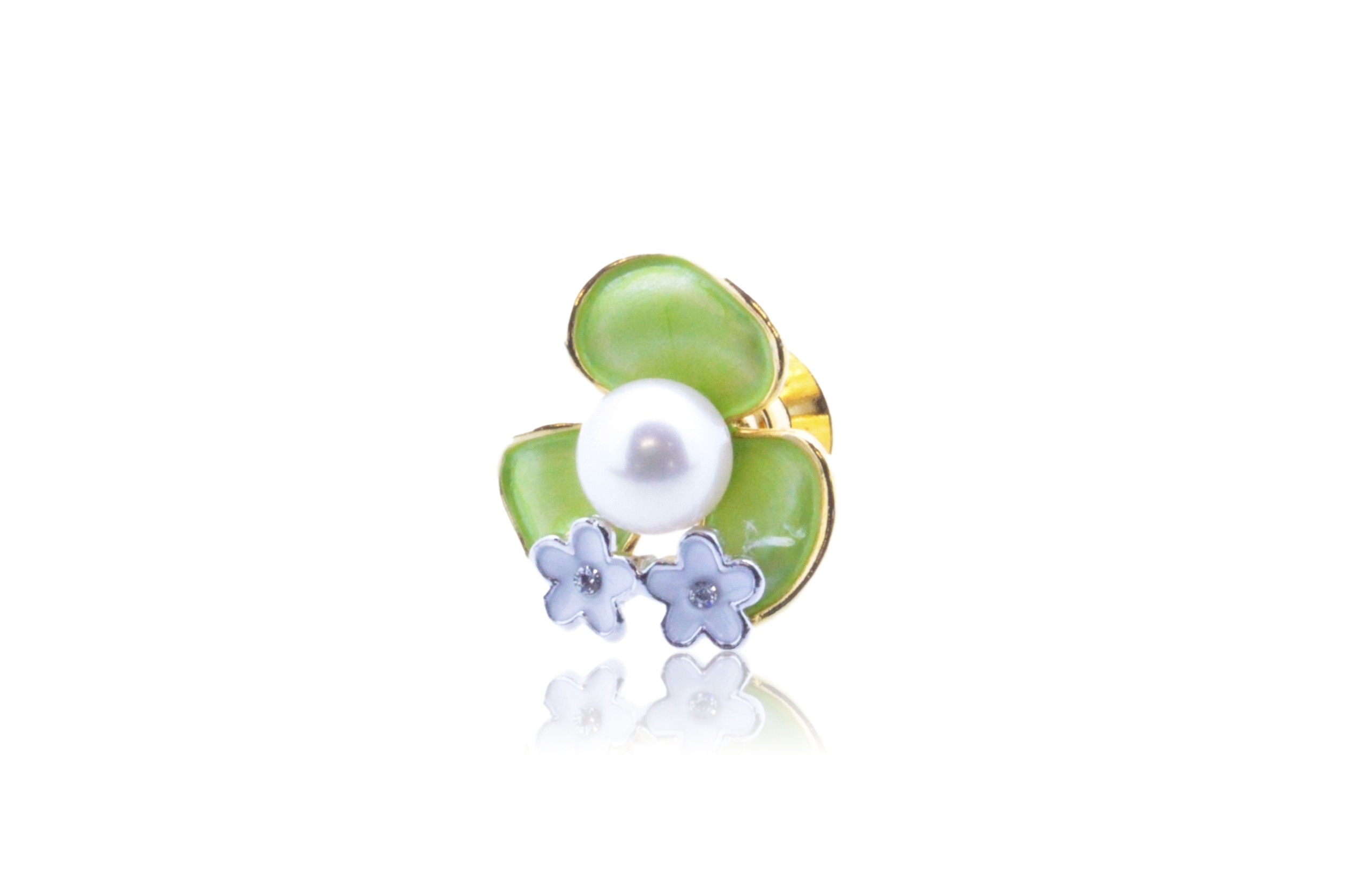 アコヤ真珠 ピンブローチ〈カラーフラワー〉グリーン