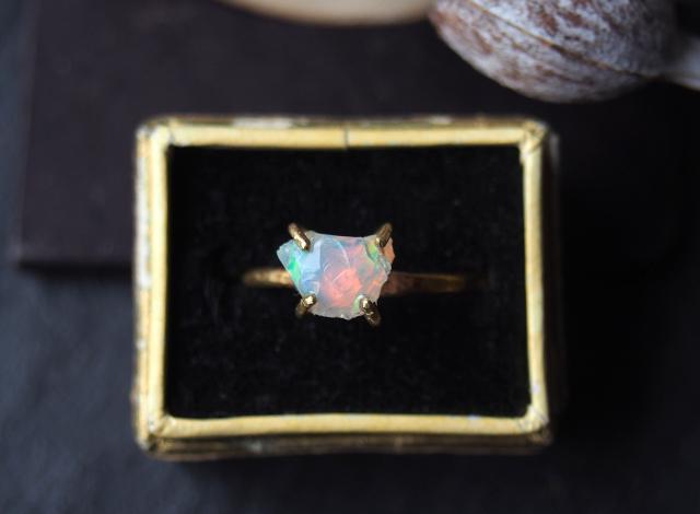 【一点物】原石のオパールのリング