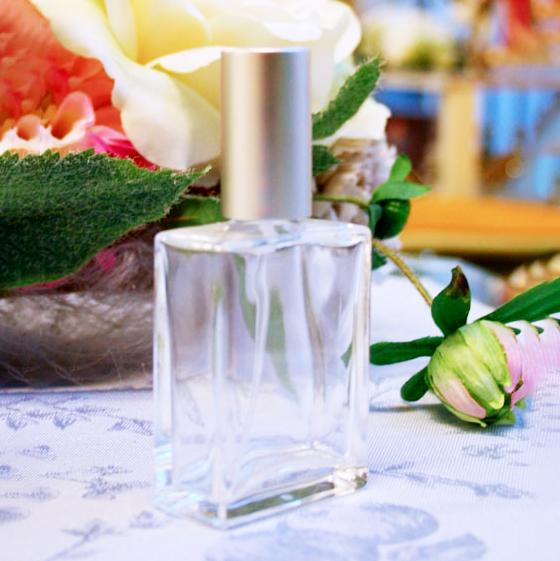 平角スプレーボトル(ガラス製香水瓶) 25ml