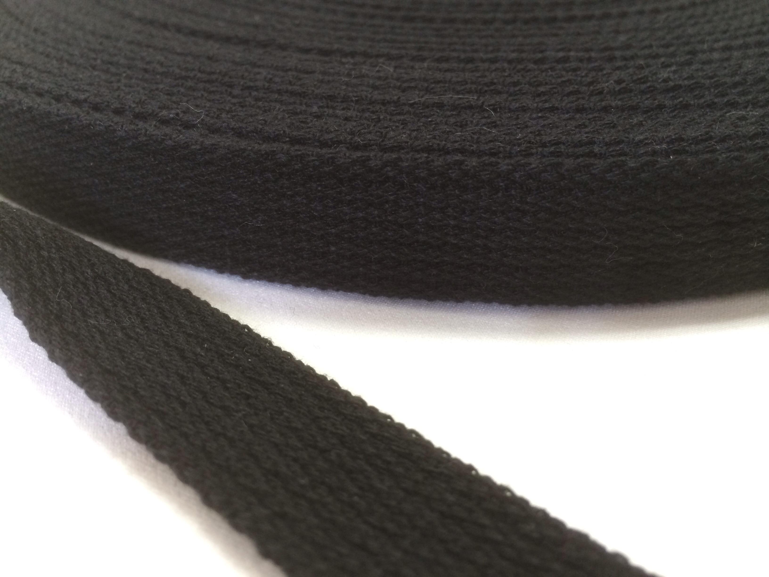 アクリルテープ 20㎜幅 2mm厚 黒 1巻50m