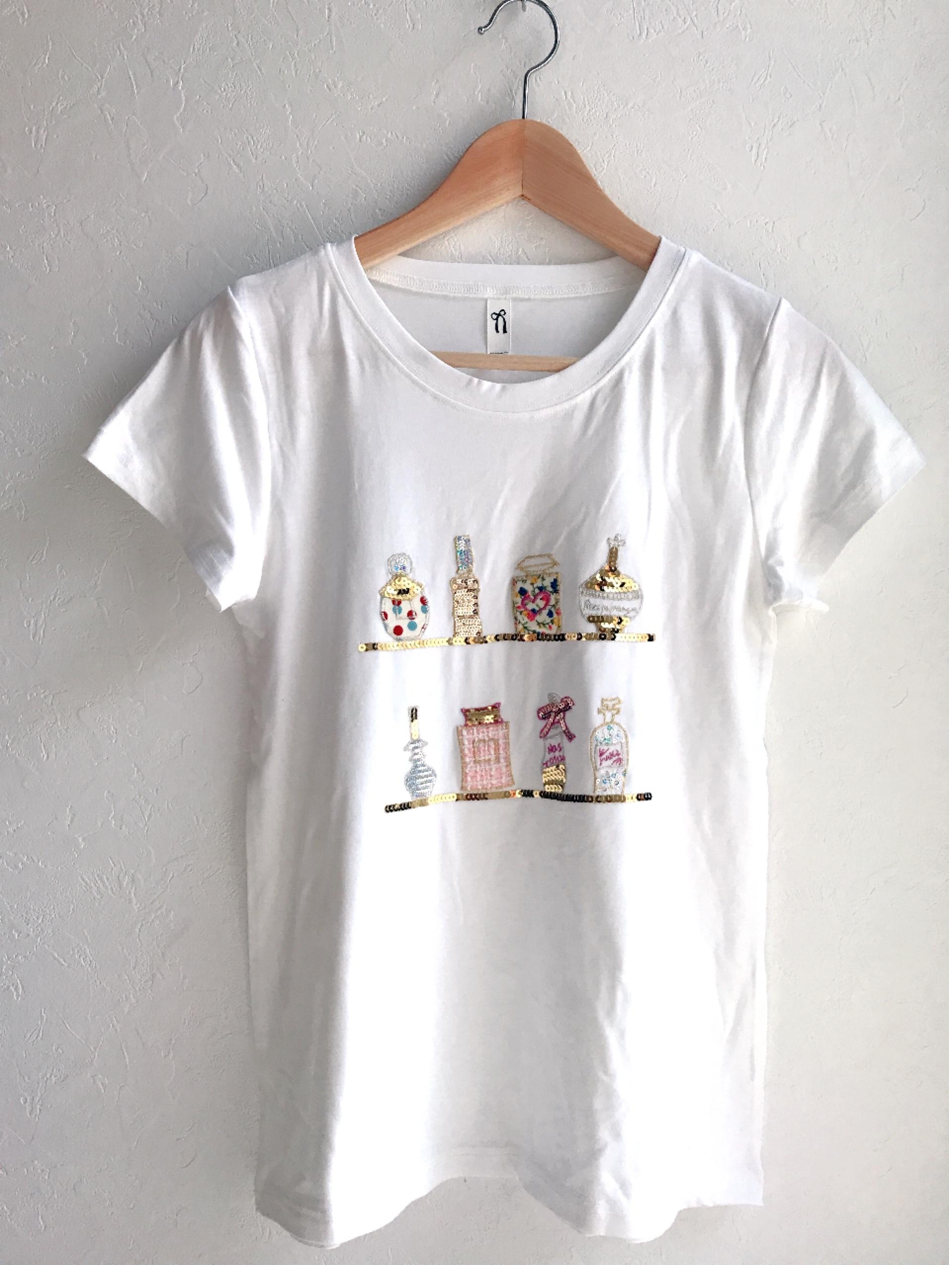 再入荷★香水瓶いっぱいの刺繍スパンコールTシャツ ホワイト