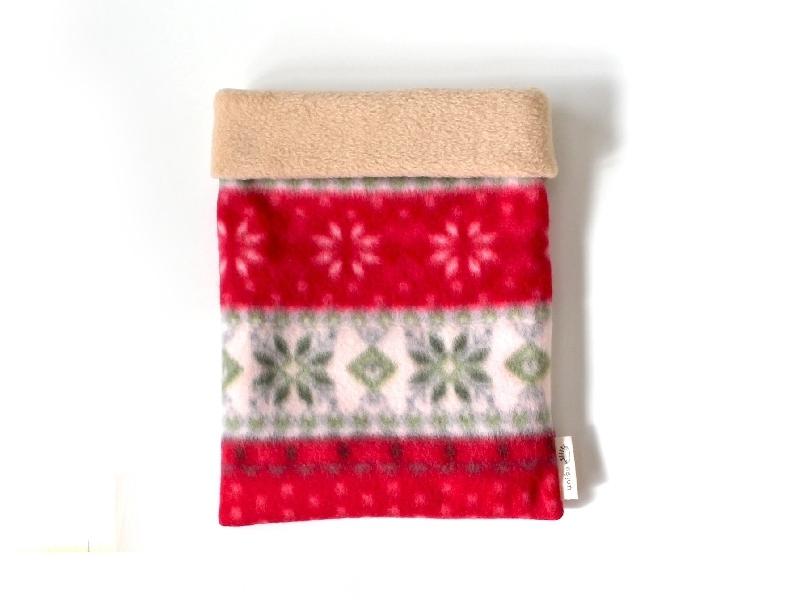 ハリネズミ用寝袋 M(冬用) フリース×フリース 雪の結晶 赤 【販売終了】