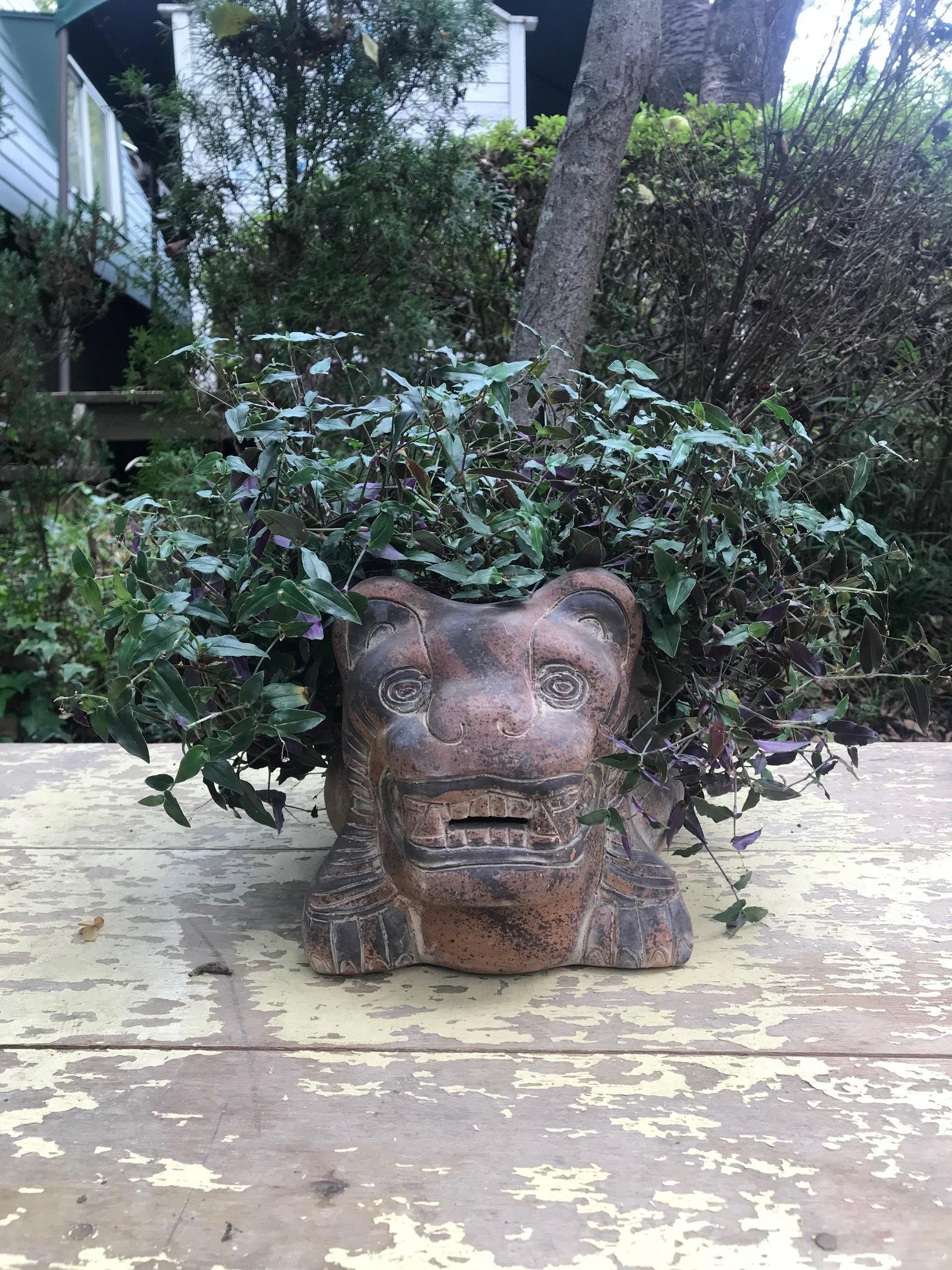 シーサーのような虎 陶器ポット 鉢カバー 植木鉢