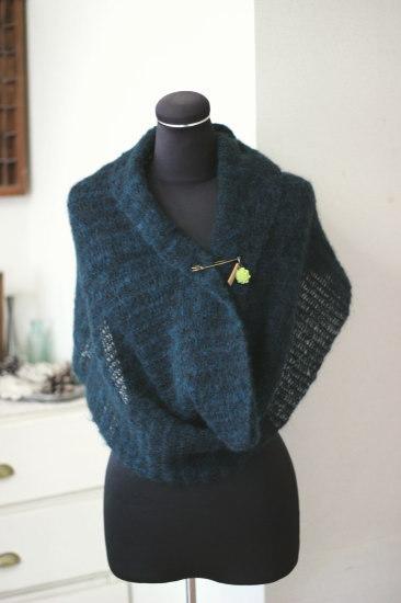 手編み*スヌード グリーン カボションピン付き/sakura 型番:Z-7