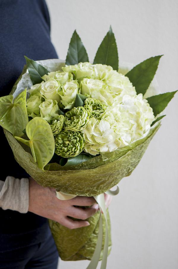<母の日ギフト>8,000円の花束を贈る