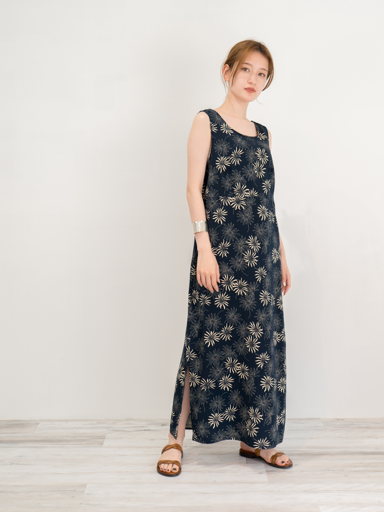 ◼︎90s monotone floral pattern polyester maxi dress from U.S.A◼︎