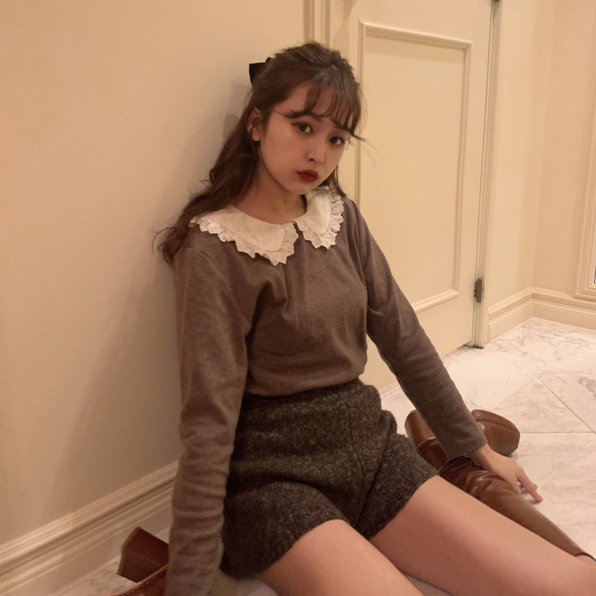 frill color brown T