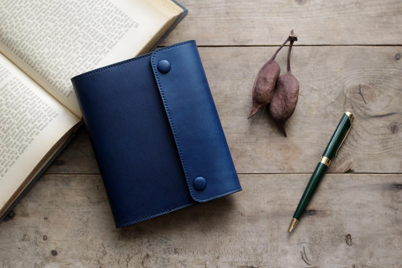 藍染革[migaki] A6サイズノート手帳 (包みボタン)