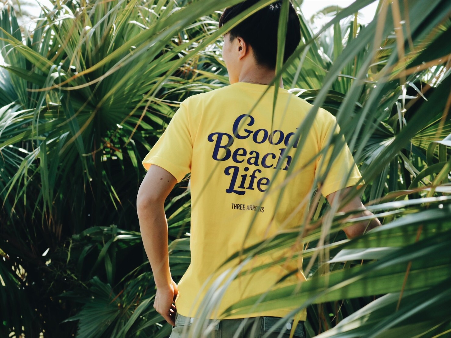 Good Beach Life Tシャツ(yellow × purple)