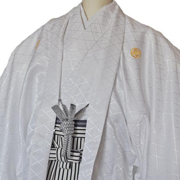 レンタル男性用white01【紋付袴】白地綸子着物に黒銀ぼかし縞はかま - 画像1
