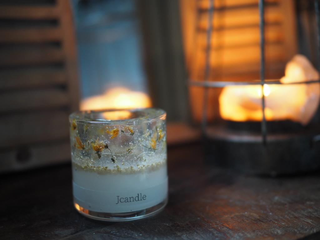 pressed flowers candle lantern