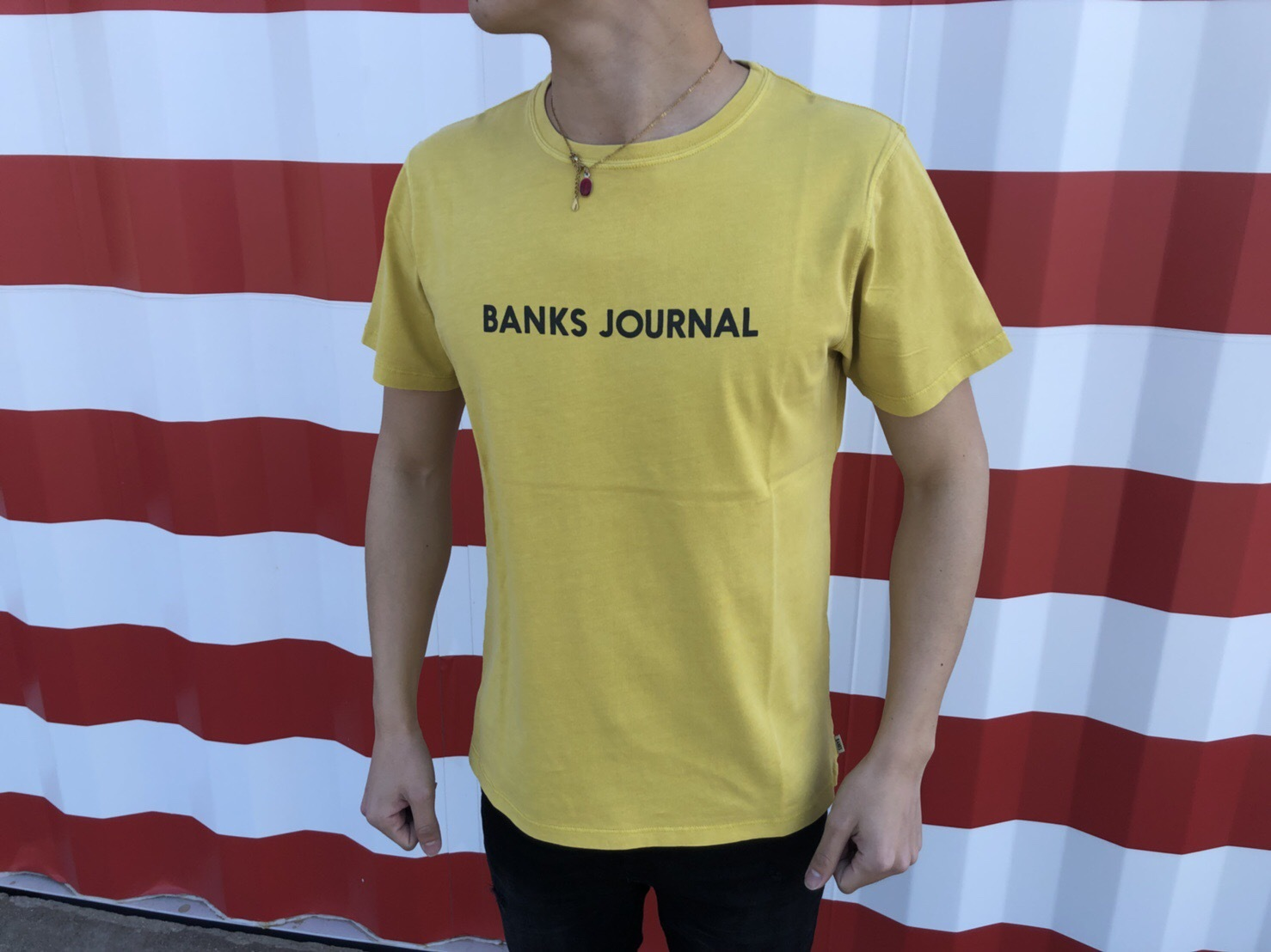 BANKS JOURNAL Tシャツ (old yellow)