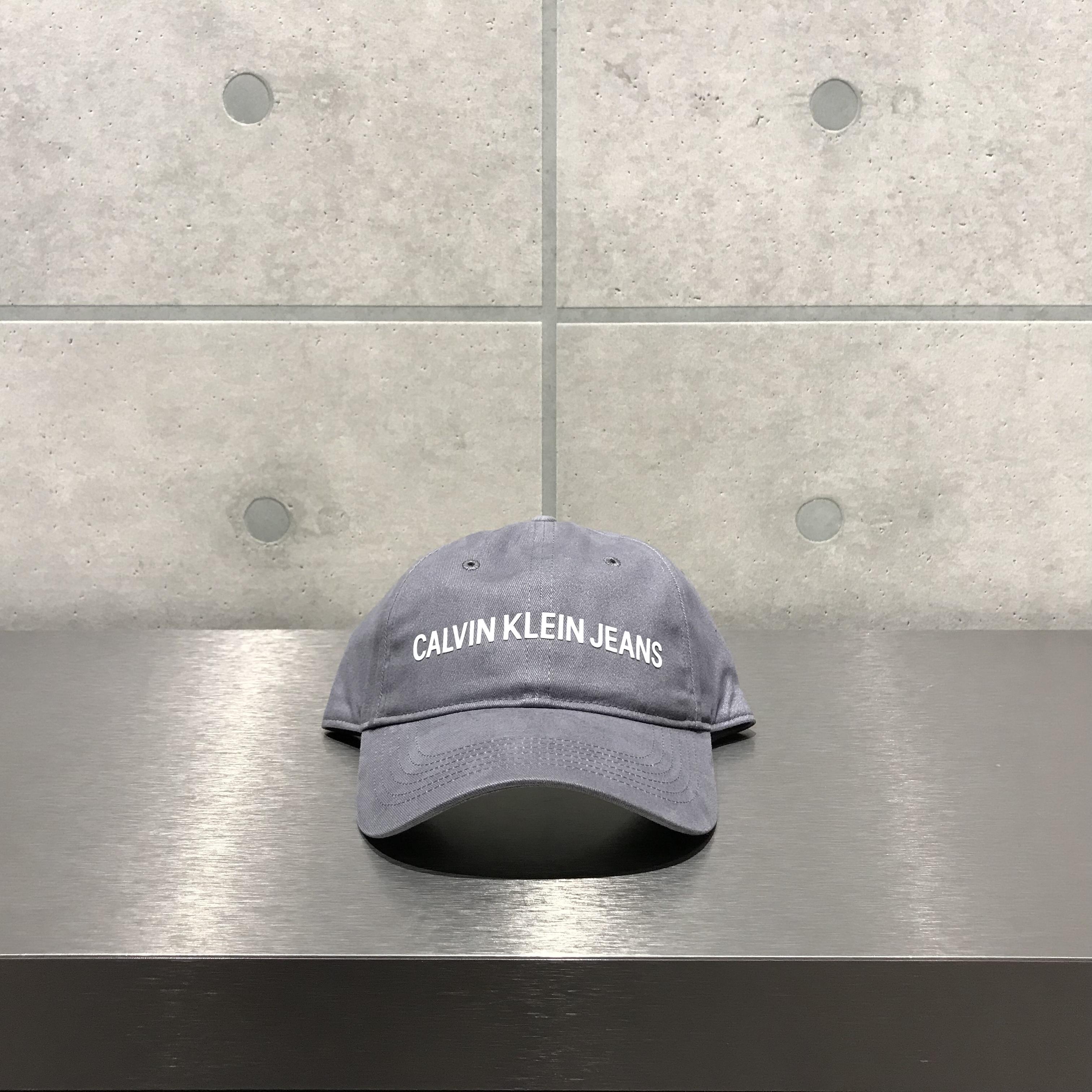 Calvin Klein LOGO 6-PANEL CAP / GRAY x WHITE