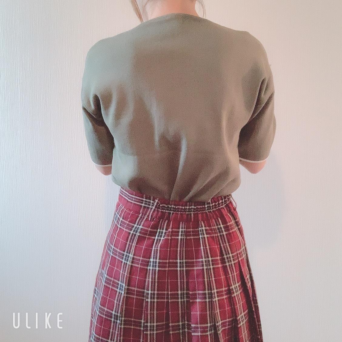 韓国風Vネックシャツ