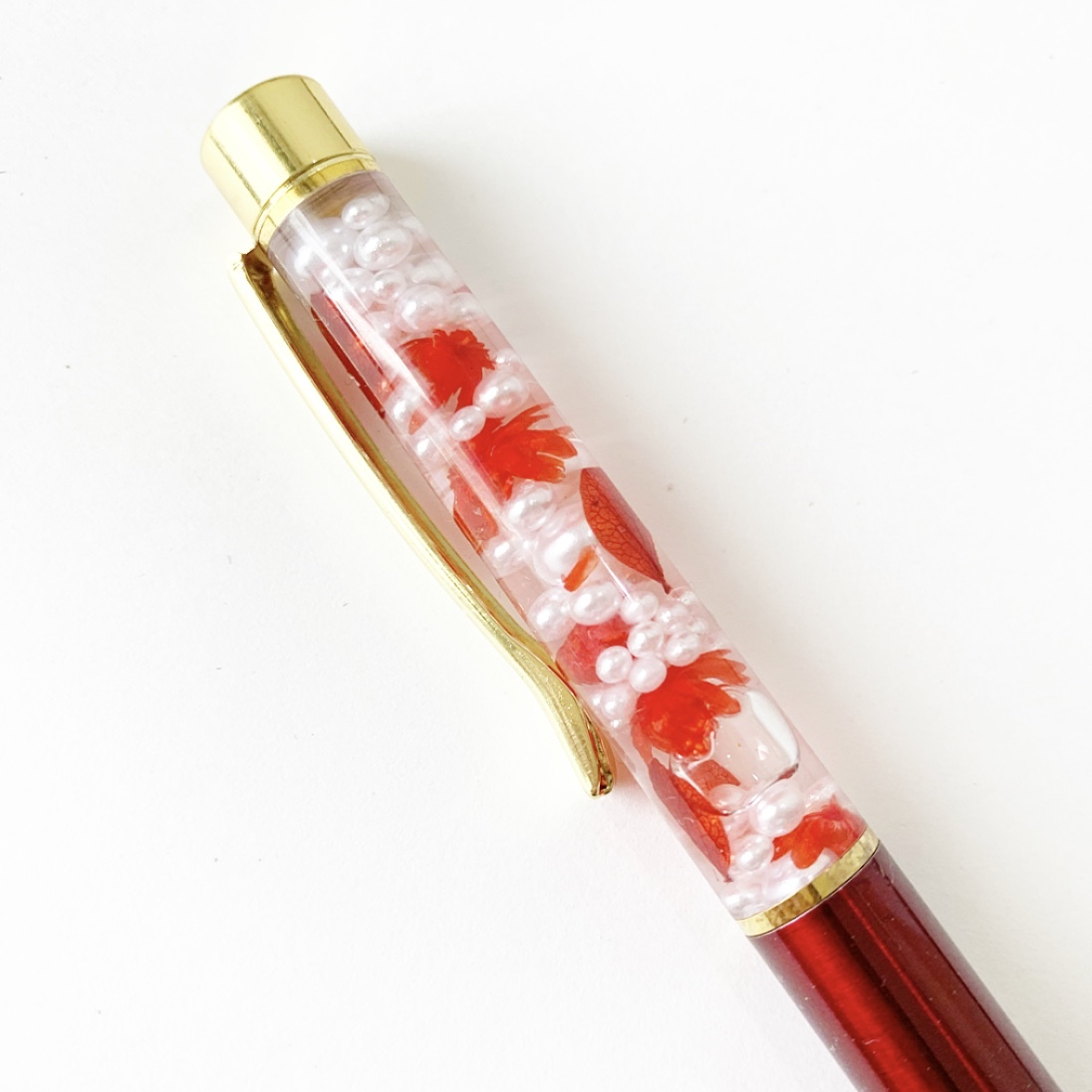 クリアケースラッピング付きハーバリウムペン(赤×パール)
